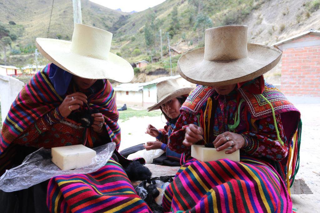 Women making feltis.